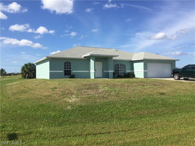 116 NW 26th Pl, Cape Coral, FL 33993 (MLS #216024671) :: The New Home Spot, Inc.
