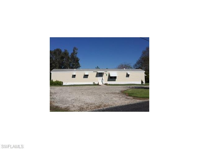 1042 Azalez Ave, Moore Haven, FL 33471 (MLS #216026031) :: The New Home Spot, Inc.