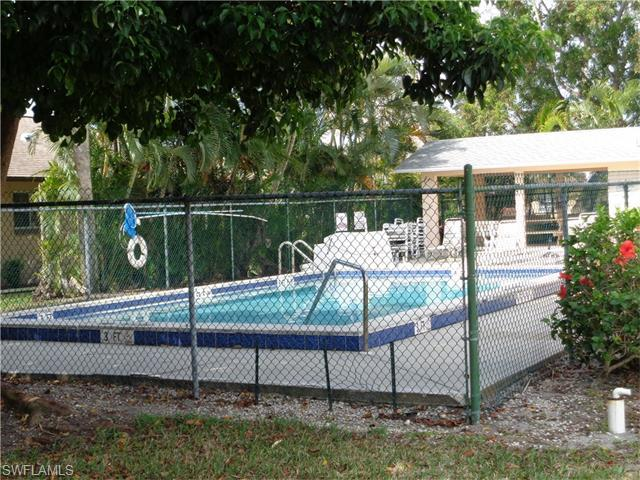 4912 SE Vincennes Ct #203, Cape Coral, FL 33904 (#216026189) :: Homes and Land Brokers, Inc