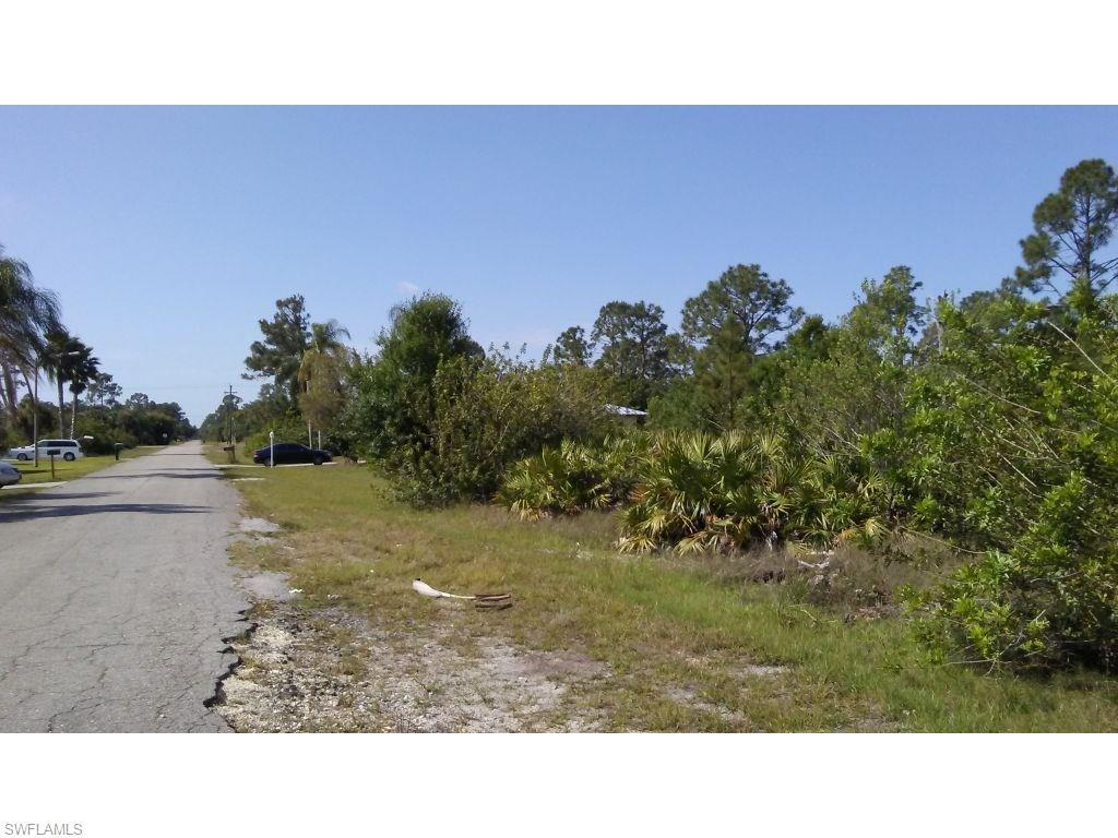 1011 Jefferson Ave, Lehigh Acres, FL 33936 (MLS #216029026) :: The New Home Spot, Inc.