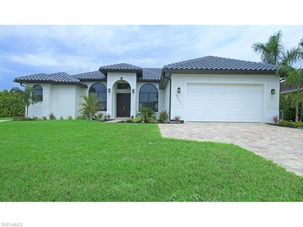 3013 Beach Pky W, Cape Coral, FL 33914 (#216029158) :: Homes and Land Brokers, Inc