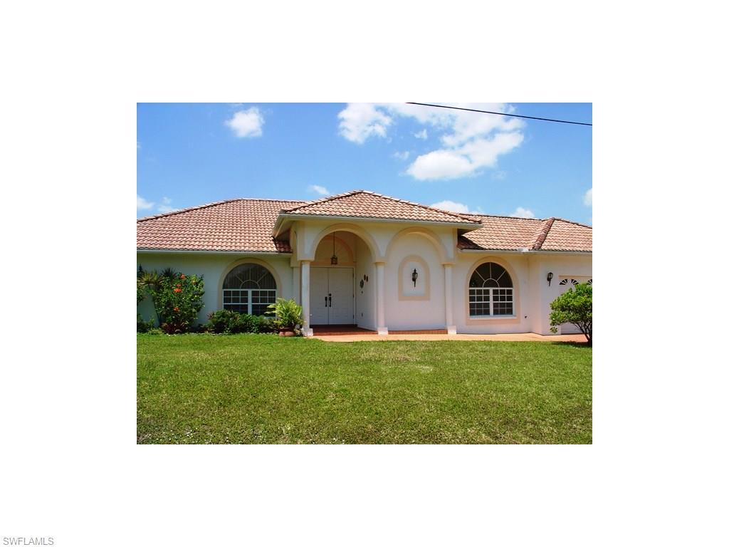 513 Jackson Ave, Lehigh Acres, FL 33972 (MLS #216030172) :: The New Home Spot, Inc.