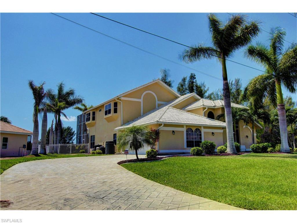 3730 SW 14th Pl, Cape Coral, FL 33914 (MLS #216031088) :: The New Home Spot, Inc.