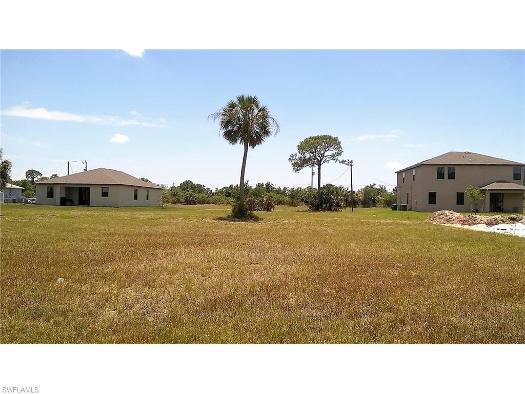 2318 SW Trafalgar Pky, Cape Coral, FL 33991 (MLS #216032063) :: The New Home Spot, Inc.