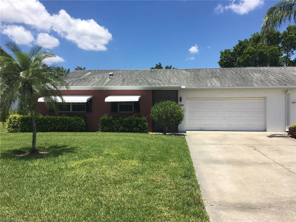 7026 Cedarhurst Dr, Fort Myers, FL 33919 (#216032193) :: Homes and Land Brokers, Inc