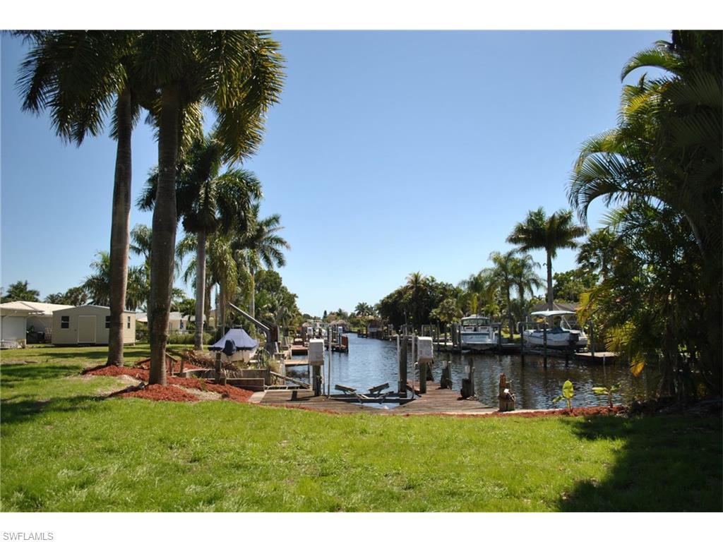 5302 Malaluka Ct, Cape Coral, FL 33904 (MLS #216032448) :: The New Home Spot, Inc.
