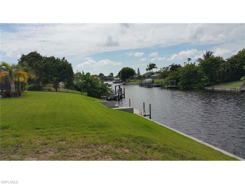 1109 SE 21st St, Cape Coral, FL 33990 (MLS #216034650) :: The New Home Spot, Inc.