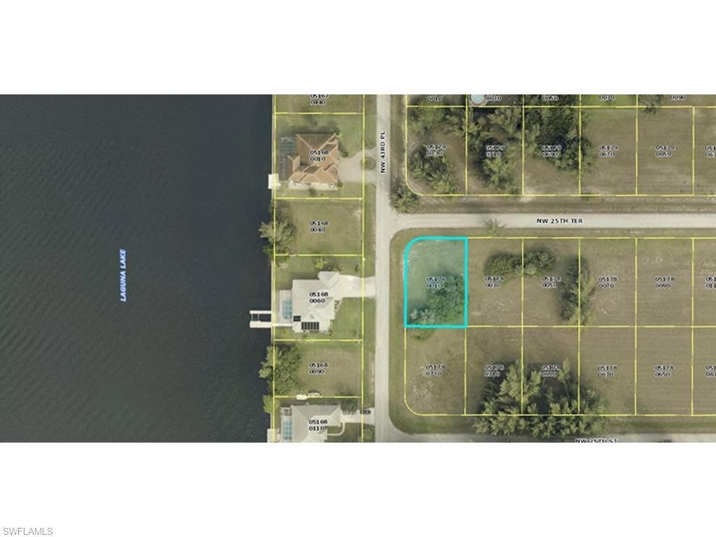 4242 NW 25th Ter, Cape Coral, FL 33993 (MLS #216034775) :: The New Home Spot, Inc.