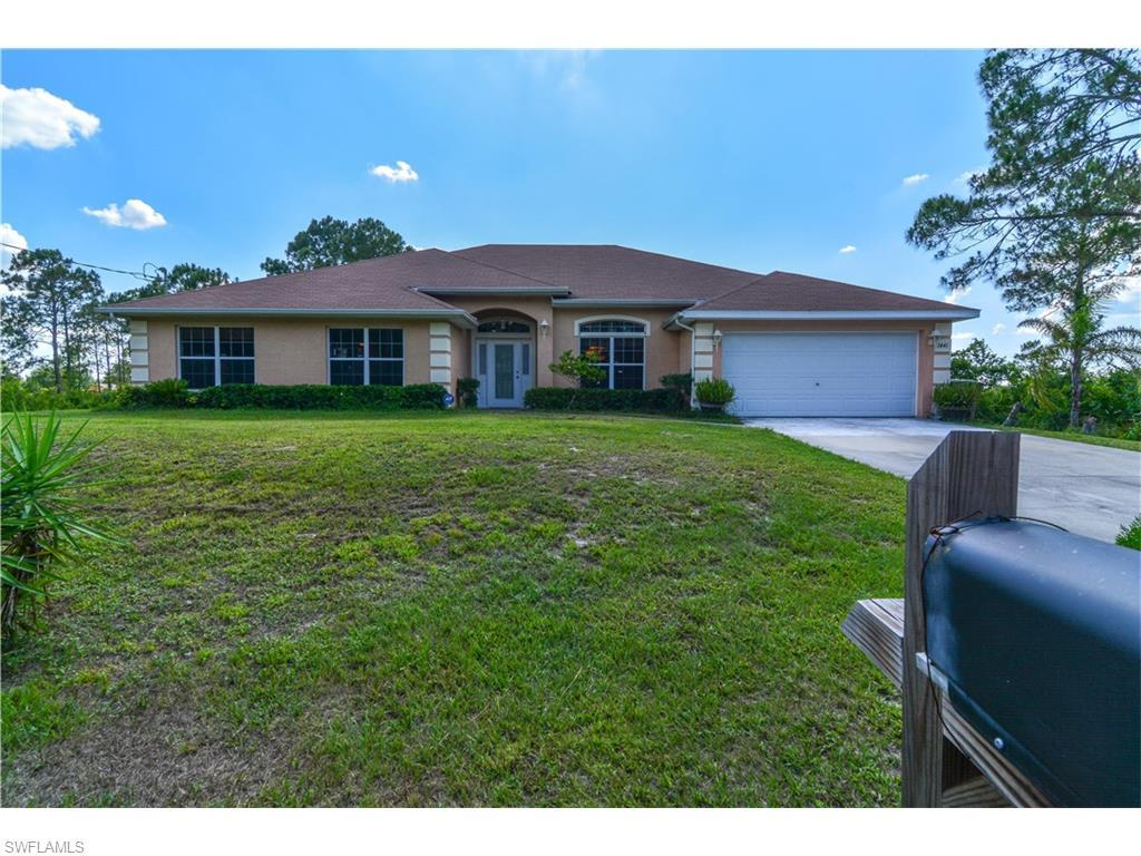 1441 Lincoln Ave, Lehigh Acres, FL 33972 (MLS #216035441) :: The New Home Spot, Inc.