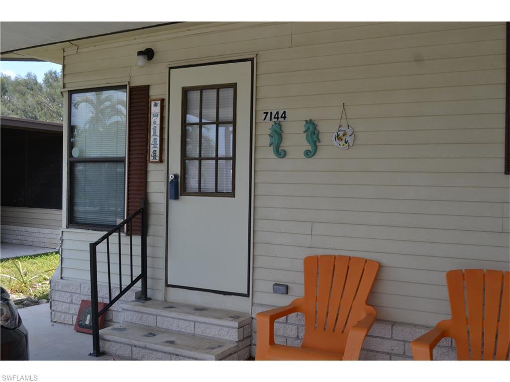 7144 Ladyfish Dr, St. James City, FL 33956 (MLS #216035987) :: The New Home Spot, Inc.
