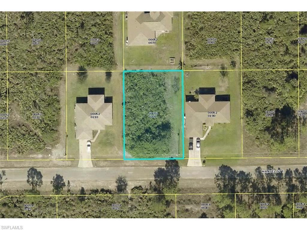 719 Manuel St E, Lehigh Acres, FL 33974 (MLS #216036674) :: The New Home Spot, Inc.