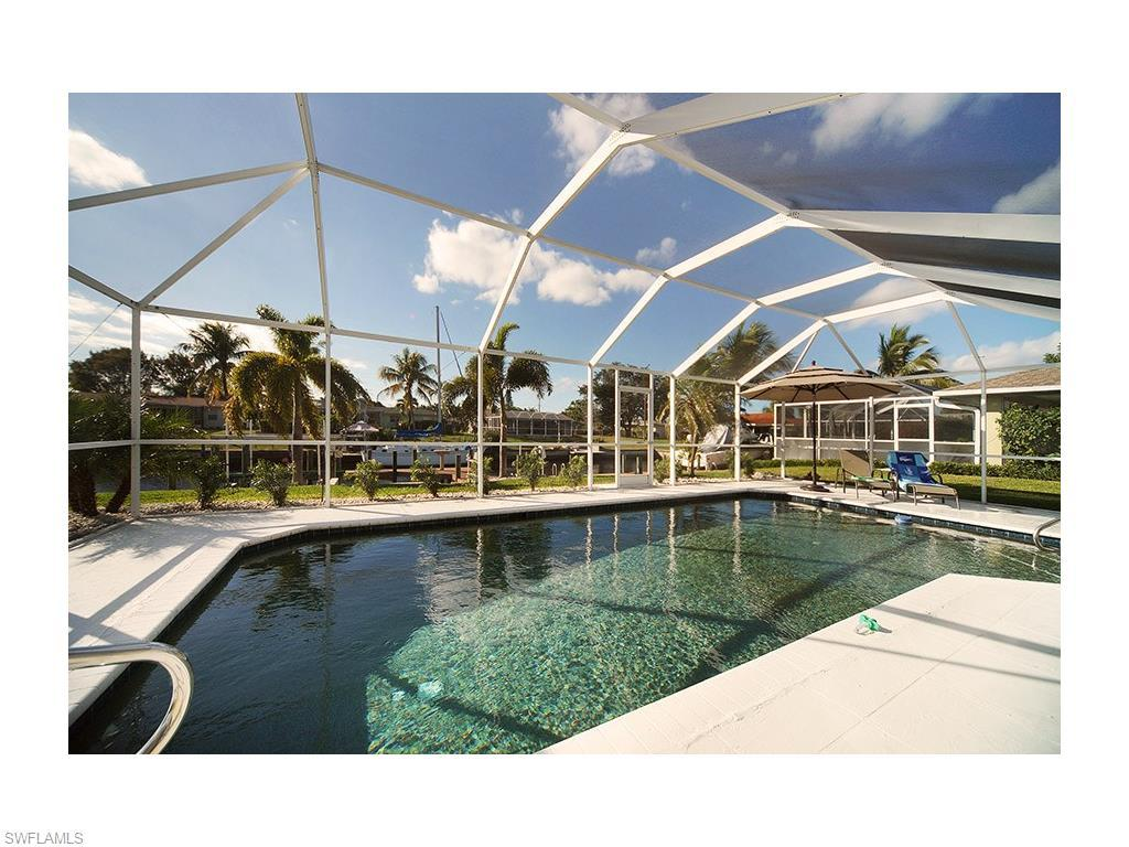 3010 SE 18th Pl, Cape Coral, FL 33904 (#216037858) :: Homes and Land Brokers, Inc