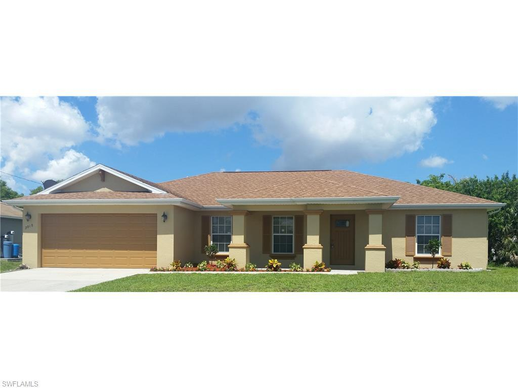 2018 NE 9th Pl, Cape Coral, FL 33909 (#216039639) :: Homes and Land Brokers, Inc