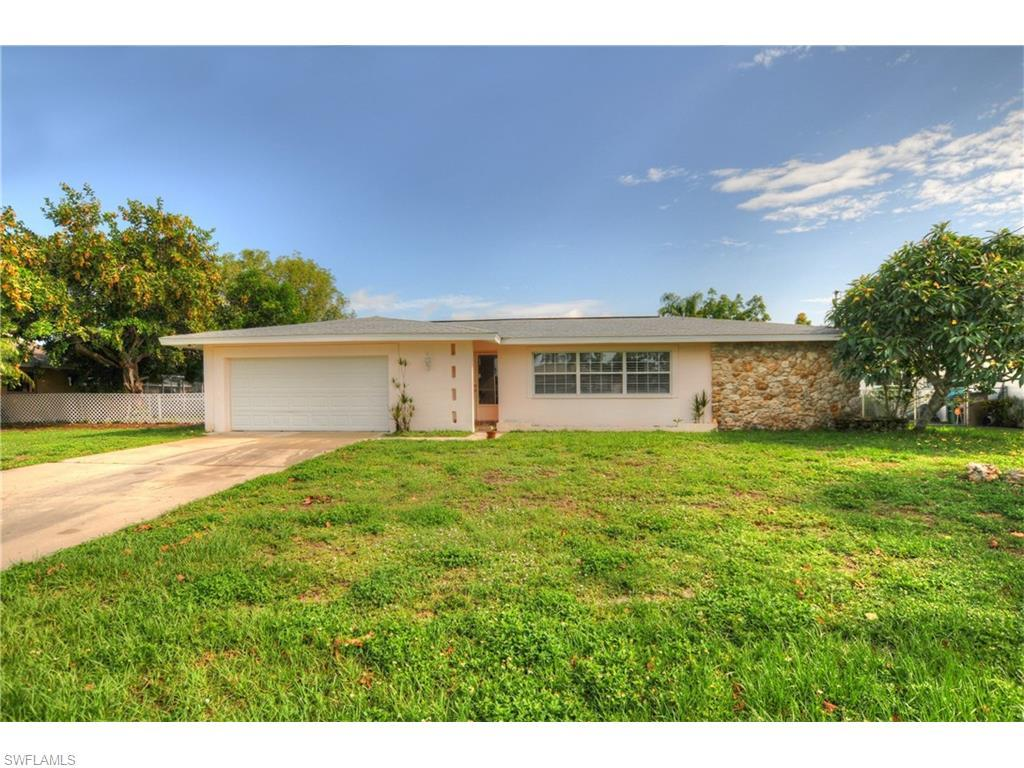 1903 Cornwallis Pky, Cape Coral, FL 33904 (#216039790) :: Homes and Land Brokers, Inc
