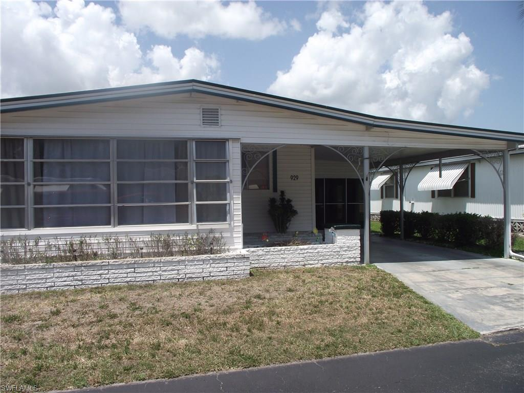 929 Strongbox Ln, North Fort Myers, FL 33917 (MLS #216039977) :: The New Home Spot, Inc.