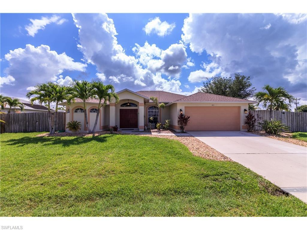 1813 SE 8th Ave, Cape Coral, FL 33990 (MLS #216040162) :: The New Home Spot, Inc.