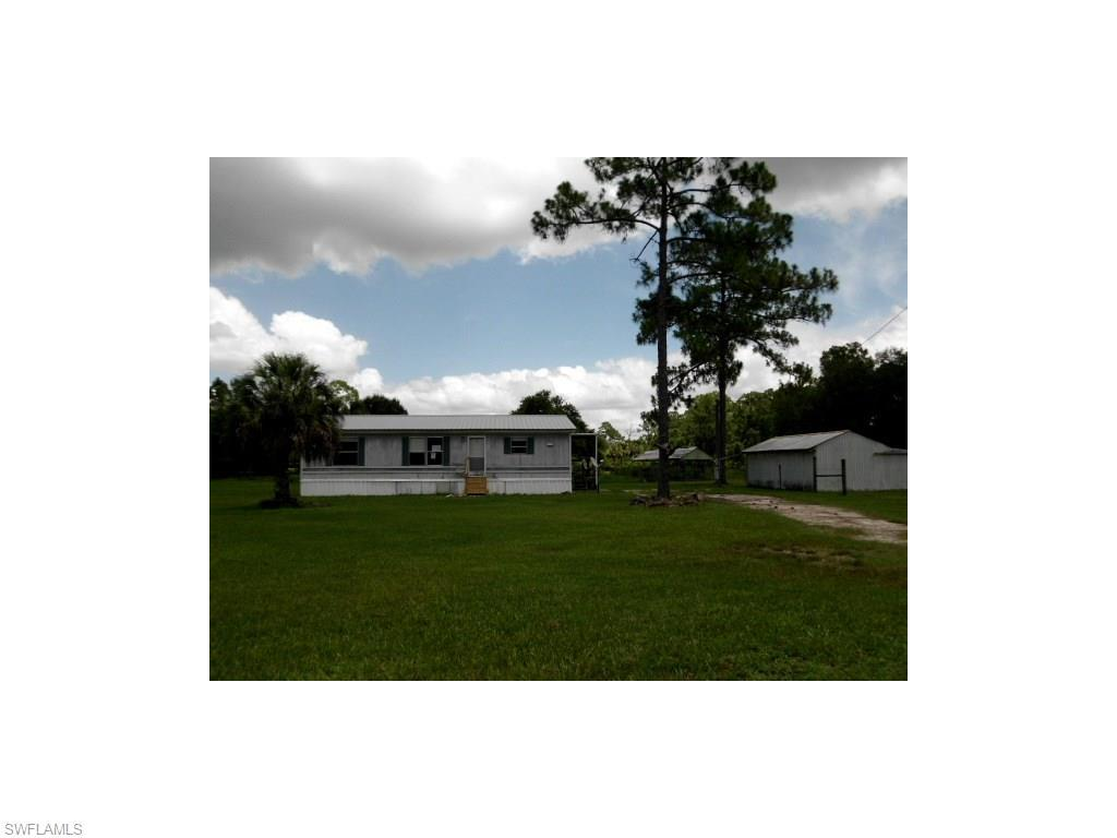 2285 Phillips Rd, Labelle, FL 33935 (#216041406) :: Homes and Land Brokers, Inc