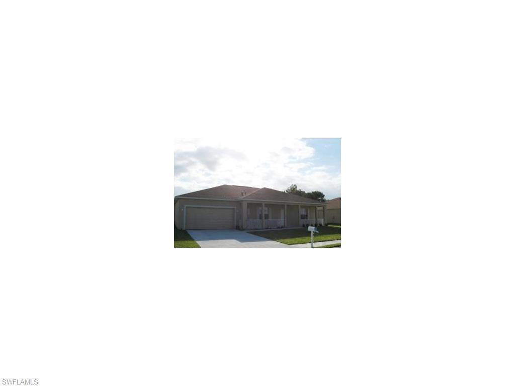 2700 Soaring Hawk Dr, Fort Myers, FL 33905 (#216041464) :: Homes and Land Brokers, Inc