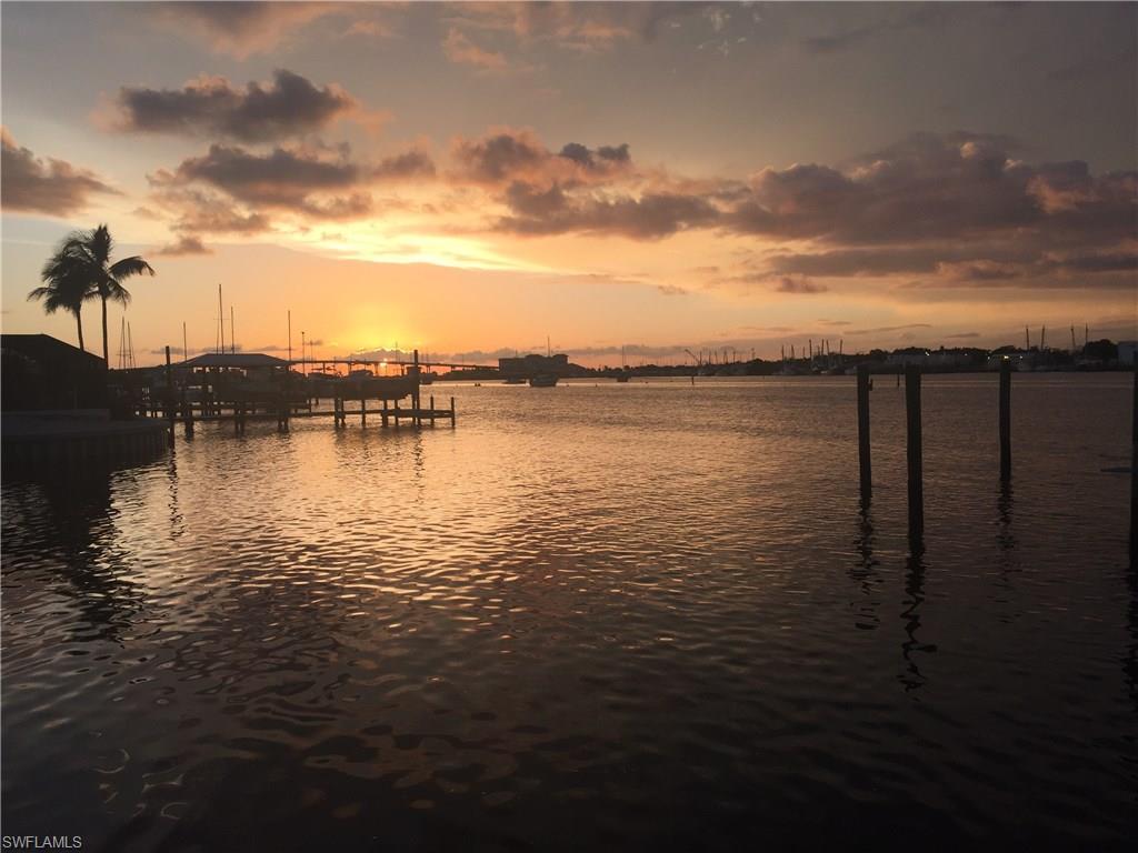 345 Mango St #204, Fort Myers Beach, FL 33931 (MLS #216042122) :: The New Home Spot, Inc.
