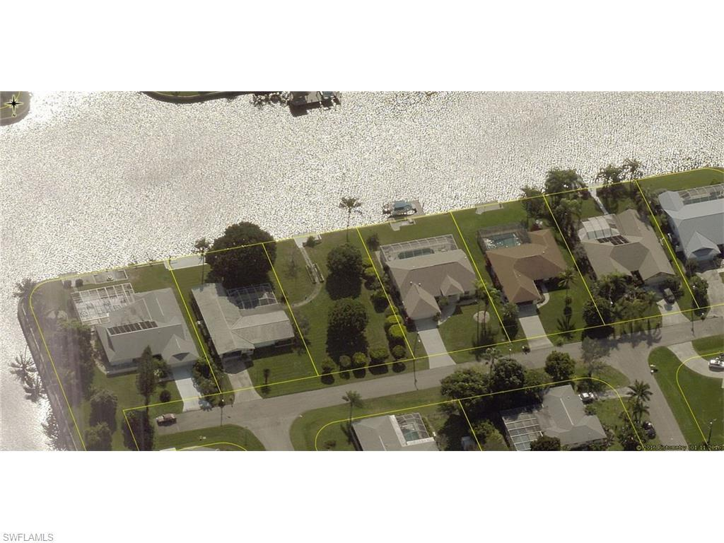 918 SE 43rd St, Cape Coral, FL 33904 (MLS #216043913) :: The New Home Spot, Inc.