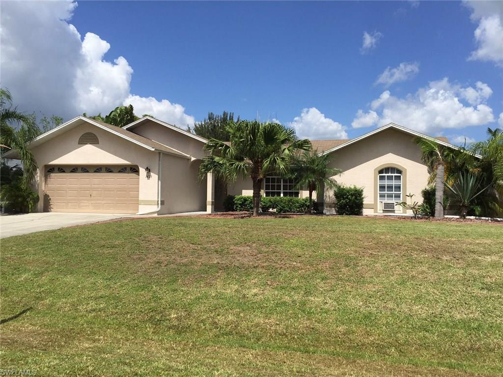 1423 SW 4th Ct, Cape Coral, FL 33991 (MLS #216044216) :: The New Home Spot, Inc.