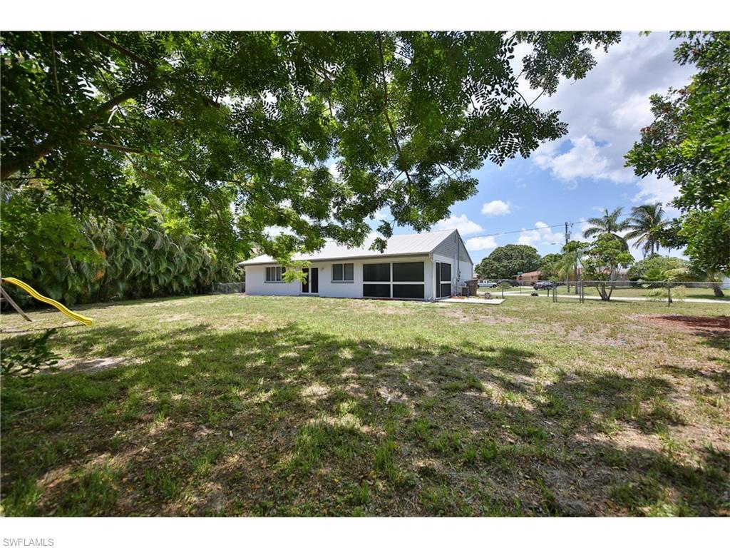 2841 SE 17th Ave, Cape Coral, FL 33904 (#216044564) :: Homes and Land Brokers, Inc
