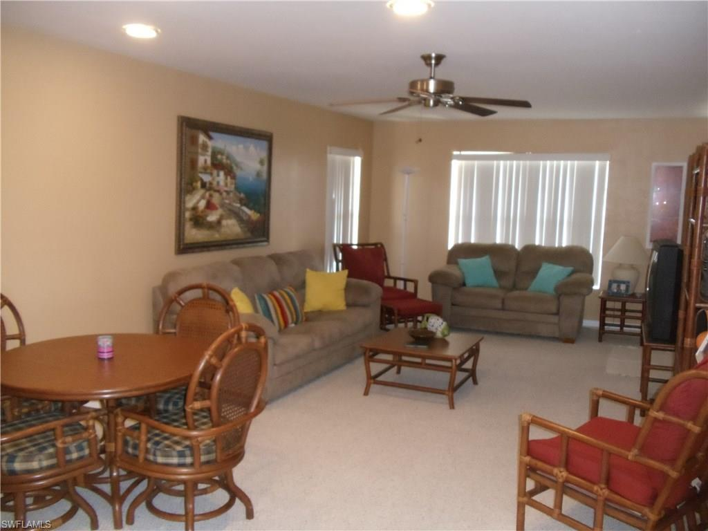 4417 Country Club Blvd B5, Cape Coral, FL 33904 (#216045042) :: Homes and Land Brokers, Inc