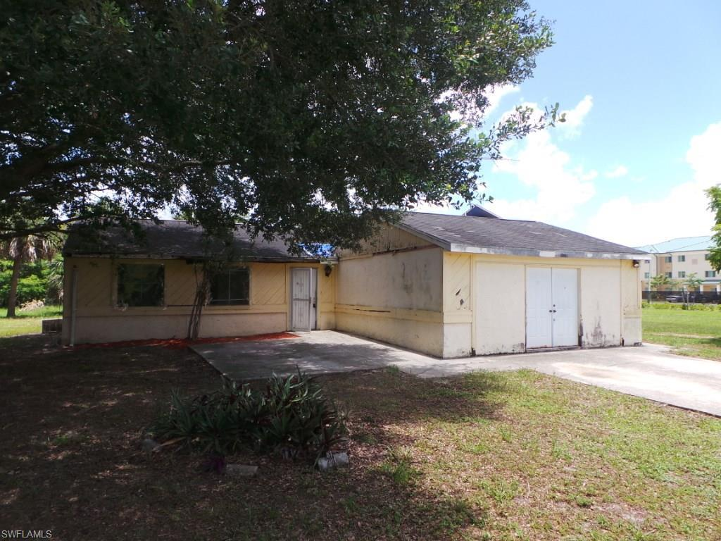 1771 Starnes Ave, Fort Myers, FL 33916 (MLS #216045366) :: The New Home Spot, Inc.
