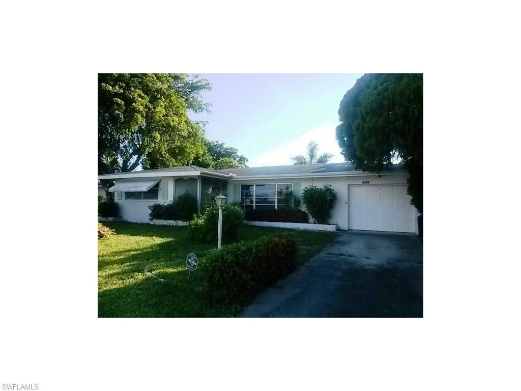 4536 SE 11th Pl, Cape Coral, FL 33904 (#216045479) :: Homes and Land Brokers, Inc