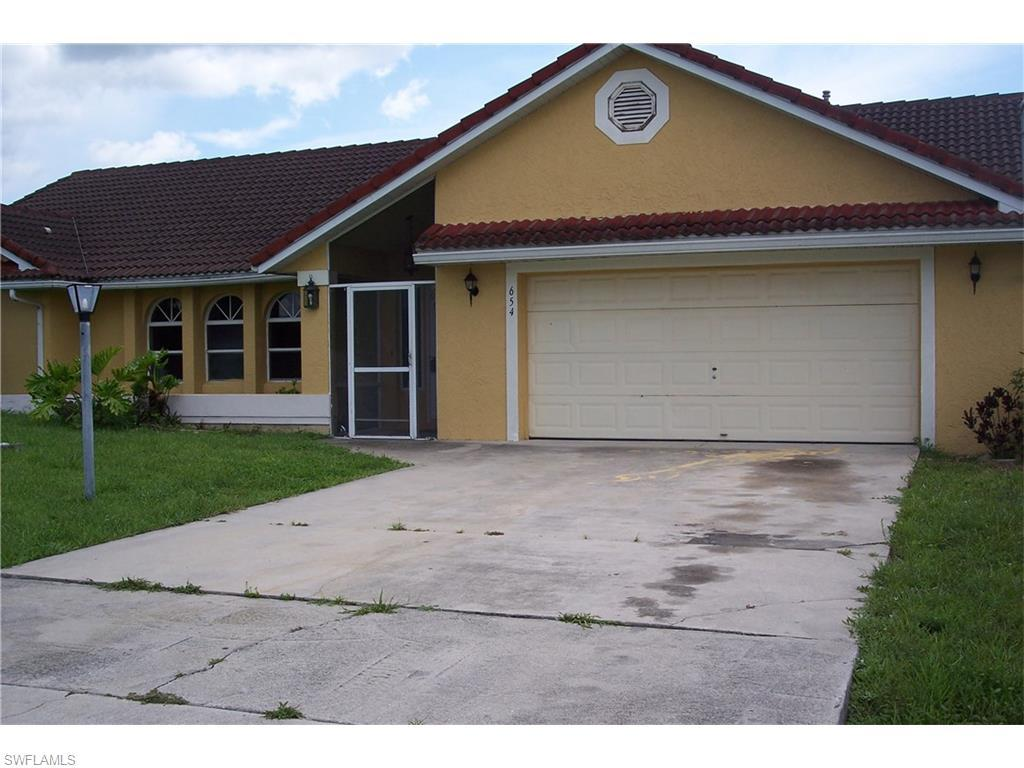 654 Homestead Rd S, Lehigh Acres, FL 33974 (#216046431) :: Homes and Land Brokers, Inc