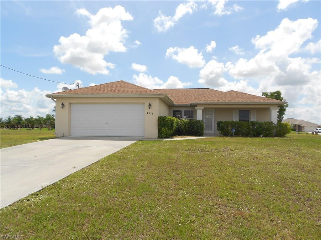 1821 NW 7th Pl, Cape Coral, FL 33993 (MLS #216046700) :: The New Home Spot, Inc.