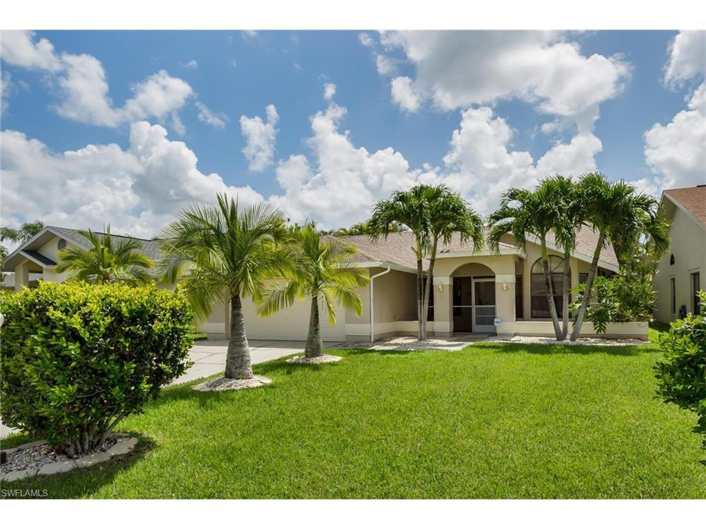 13226 Greywood Cir, Fort Myers, FL 33966 (MLS #216046825) :: The New Home Spot, Inc.
