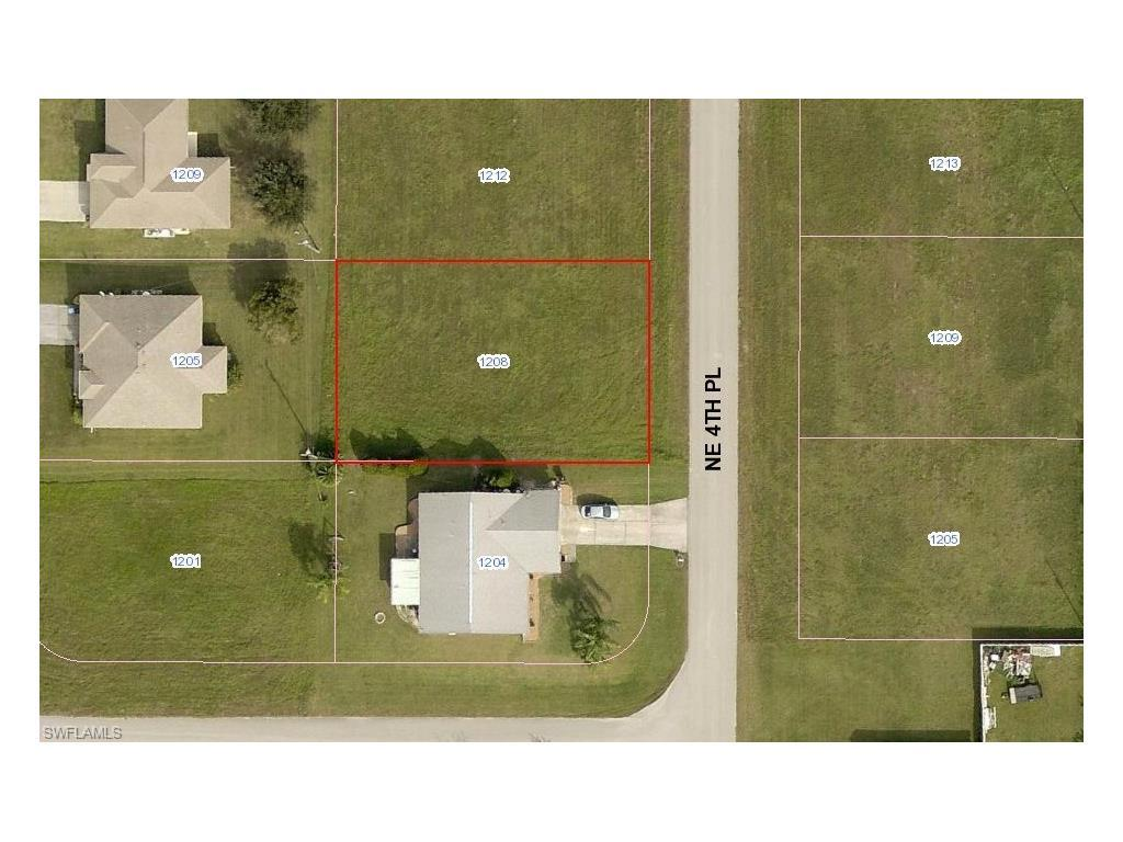 1208 NE 4th Pl, Cape Coral, FL 33909 (#216047194) :: Homes and Land Brokers, Inc