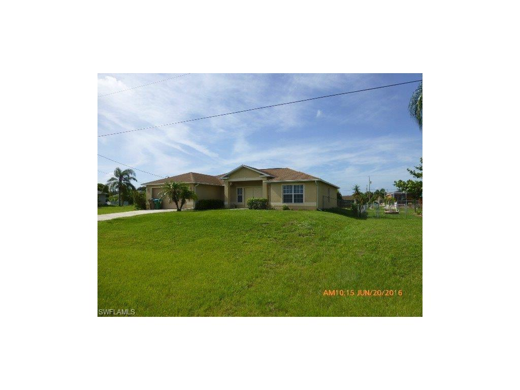 1214 SW 11th St, Cape Coral, FL 33991 (MLS #216047496) :: The New Home Spot, Inc.