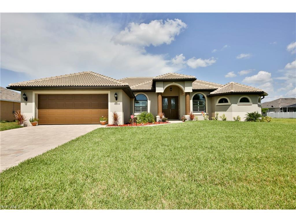 4135 SW 19th Pl, Cape Coral, FL 33914 (MLS #216047523) :: The New Home Spot, Inc.