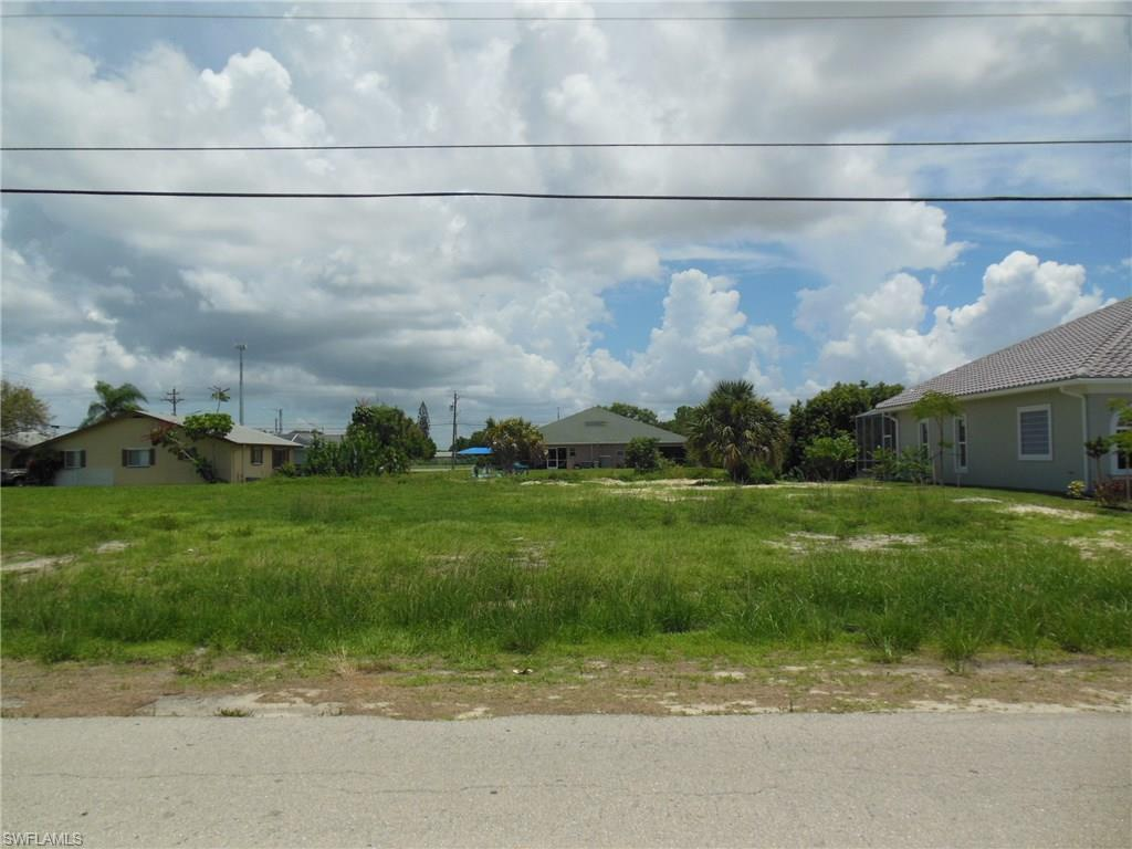 721 SW 40th Ter, Cape Coral, FL 33914 (MLS #216047621) :: The New Home Spot, Inc.