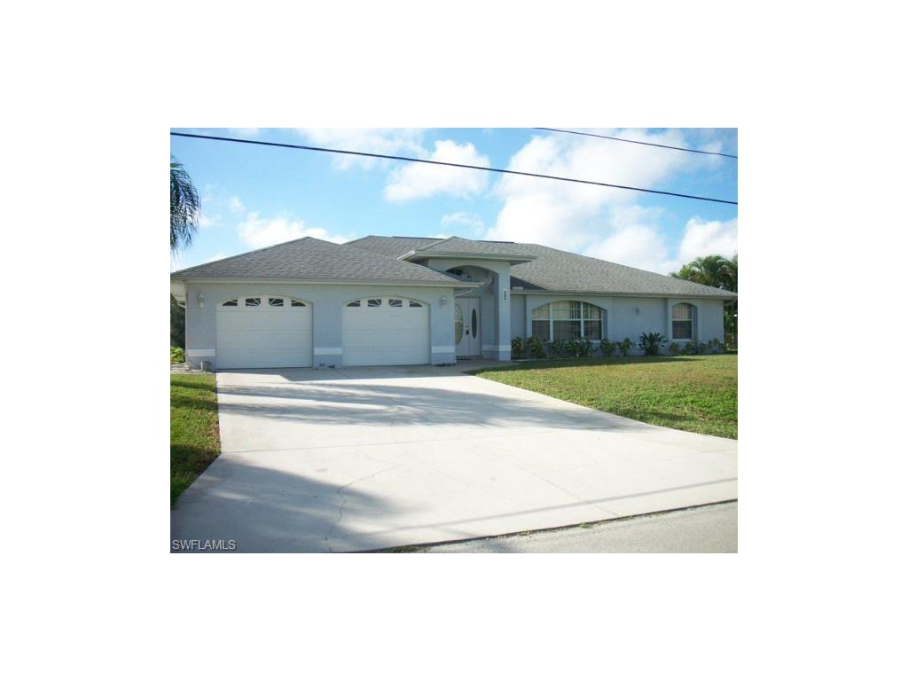 422 SE 24th St, Cape Coral, FL 33990 (MLS #216047884) :: The New Home Spot, Inc.