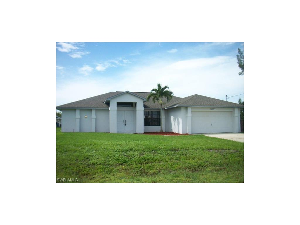 3622 SW 3rd St, Cape Coral, FL 33991 (MLS #216047940) :: The New Home Spot, Inc.