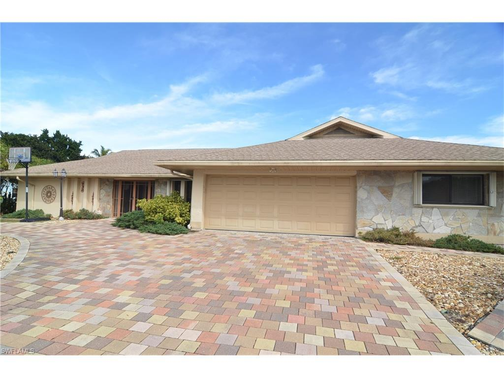 8312 Riviera Ave, Fort Myers, FL 33919 (#216048219) :: Homes and Land Brokers, Inc