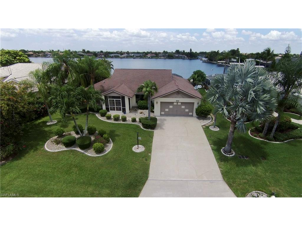 601 SW 51st Ter, Cape Coral, FL 33914 (MLS #216048385) :: The New Home Spot, Inc.