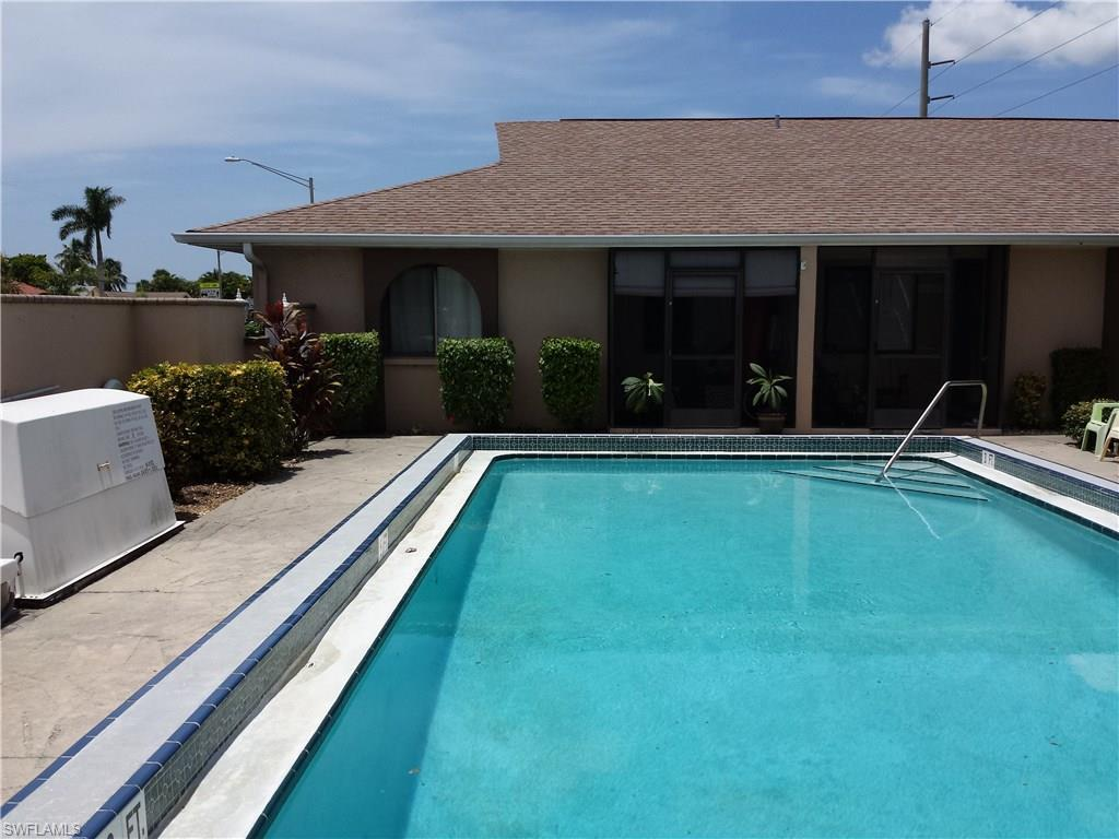 527 Cape Coral Pky W #1, Cape Coral, FL 33914 (#216048613) :: Homes and Land Brokers, Inc