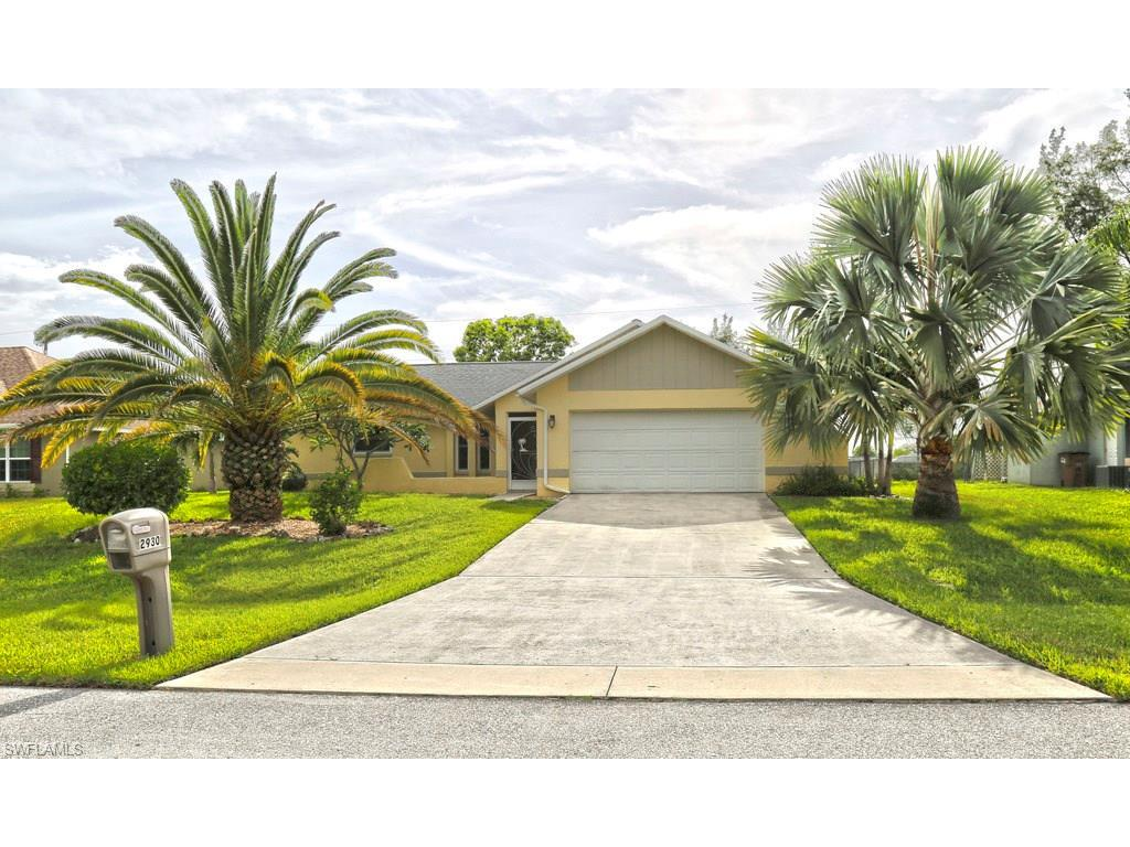 2930 SW 11th Pl, Cape Coral, FL 33914 (#216049009) :: Homes and Land Brokers, Inc