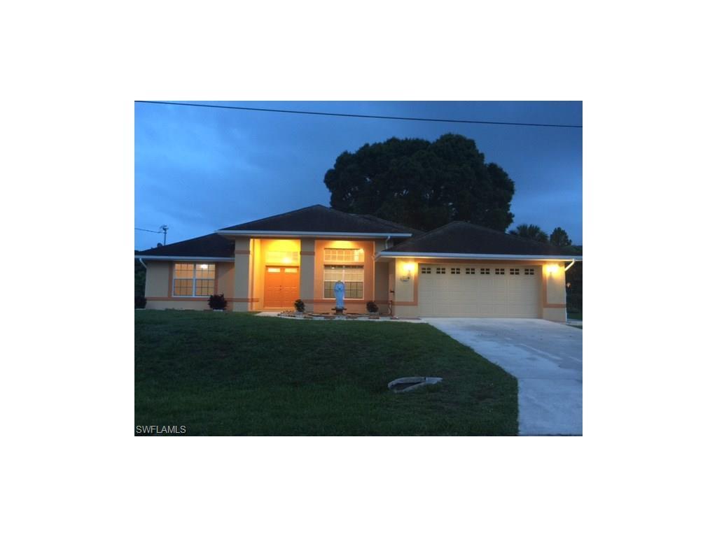 1406 Graham Cir, Lehigh Acres, FL 33936 (MLS #216049323) :: The New Home Spot, Inc.