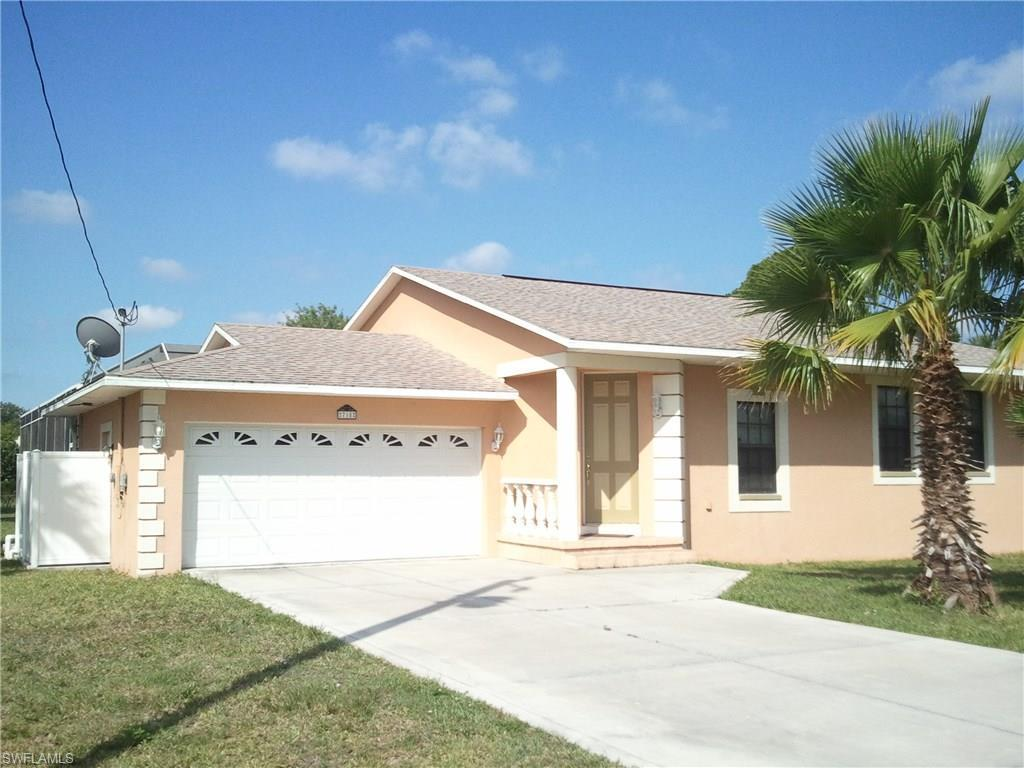 718 Connecticut Ln, Lehigh Acres, FL 33936 (#216049366) :: Homes and Land Brokers, Inc