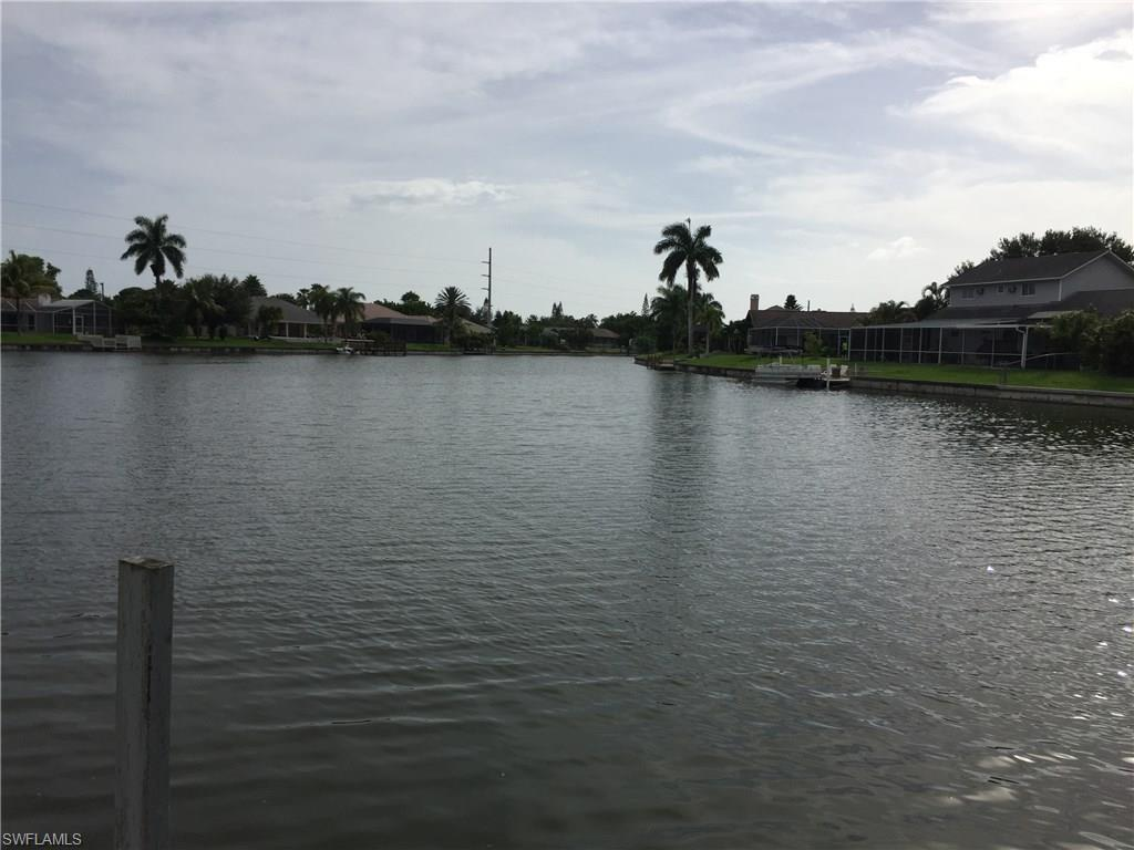 24 NE 19th Ct, Cape Coral, FL 33909 (#216049966) :: Homes and Land Brokers, Inc