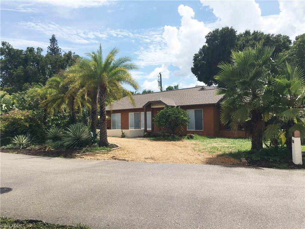 2220 Clifford St, Fort Myers, FL 33901 (MLS #216050130) :: The New Home Spot, Inc.