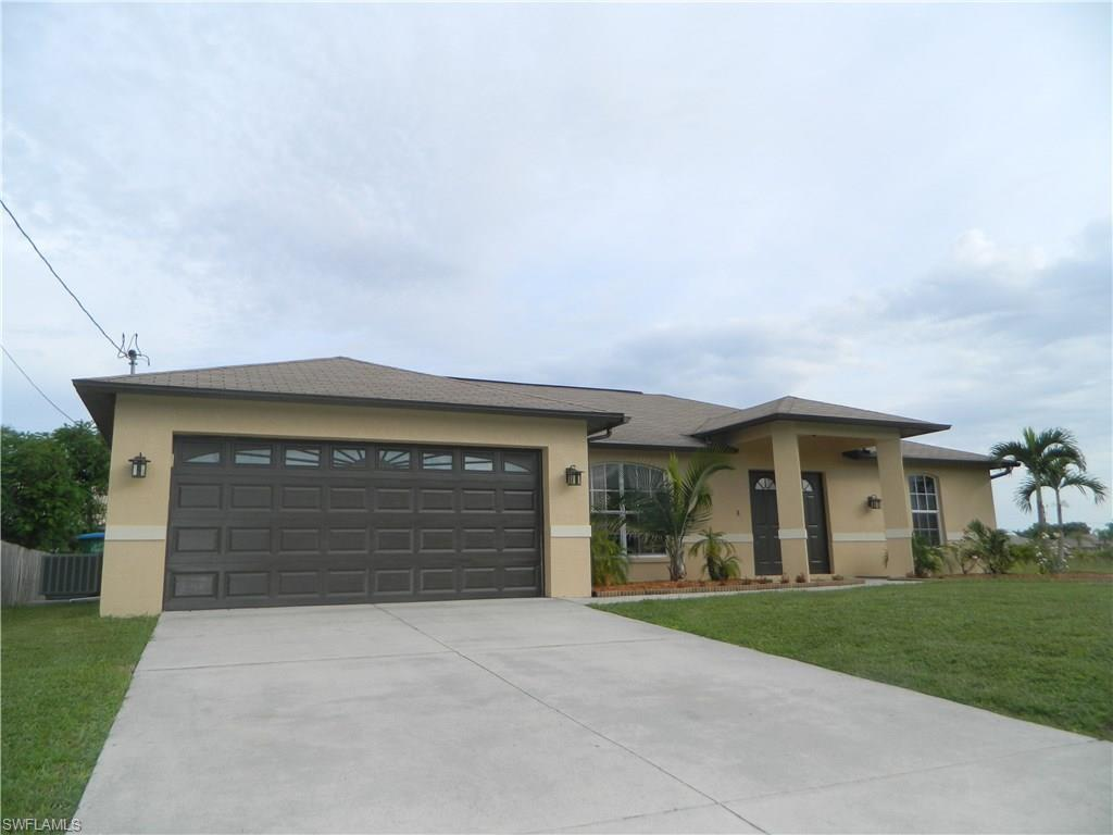 2582 SW 26th Ter, Cape Coral, FL 33914 (#216050136) :: Homes and Land Brokers, Inc
