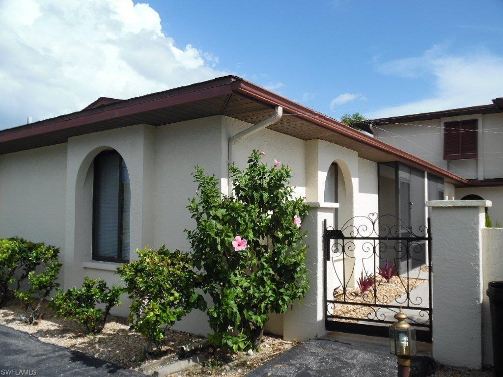 1004 SE 8TH St #101, Cape Coral, FL 33990 (MLS #216050277) :: The New Home Spot, Inc.