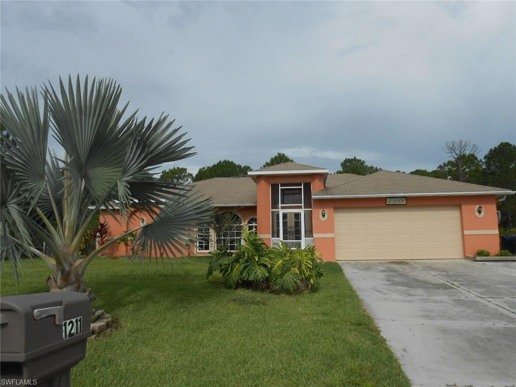 1211 Oak Ave, Lehigh Acres, FL 33972 (MLS #216050360) :: The New Home Spot, Inc.