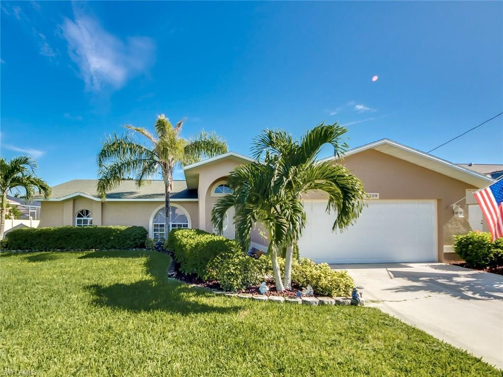 2209 SW 44th St, Cape Coral, FL 33914 (MLS #216050431) :: The New Home Spot, Inc.